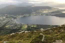 Fra toppen utsikt over Ørsta -  Foto: Jan Idar Sørheim