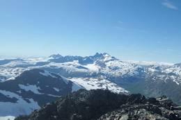 Utsikt fra toppen -  Foto: Olav Kjell Moen