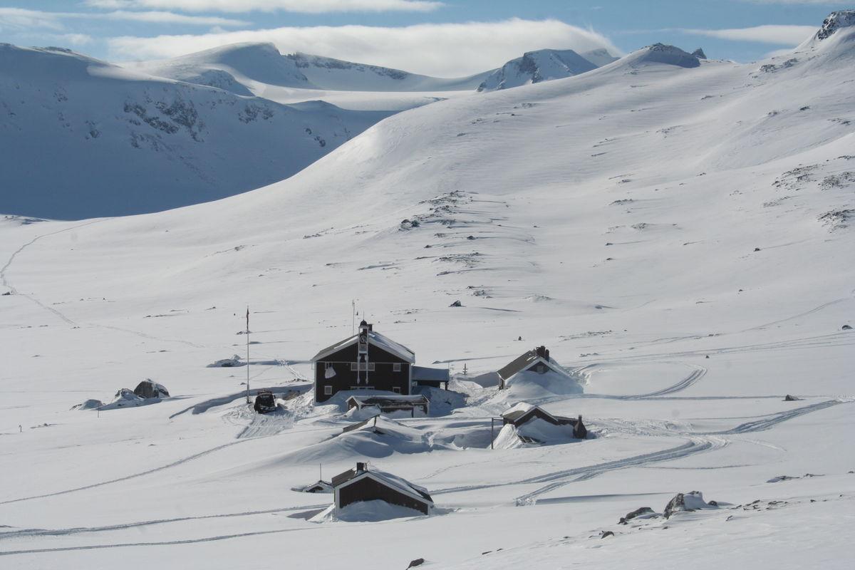 Glitterheim er utgangspunktet for toppturen til Store Memurutind