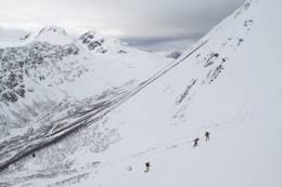 Bratt opp fra Frølandsdalen - Foto: Arild Eidset
