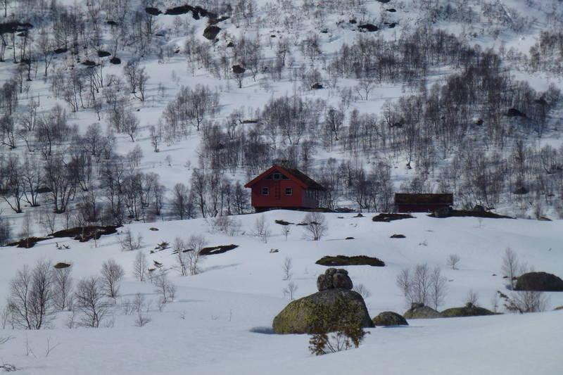 Hytta sett fra Støletjørn