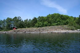Ostøya har flere tilgjengelige toaletter og mange steder å gå i land på sørsiden av øya -  Foto: Oslofjordens Friluftsråd
