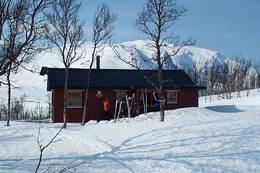 Stor-Ruffen i bakgrunnen er et fint dagsturmål. Vær obs på skredfare om vinteren. - Foto: Arne Sklett Larsen