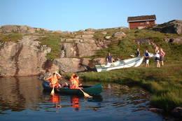 Det er både kanoer og robåt på Nipebu -  Foto: Sogn og Fjordane Turlag