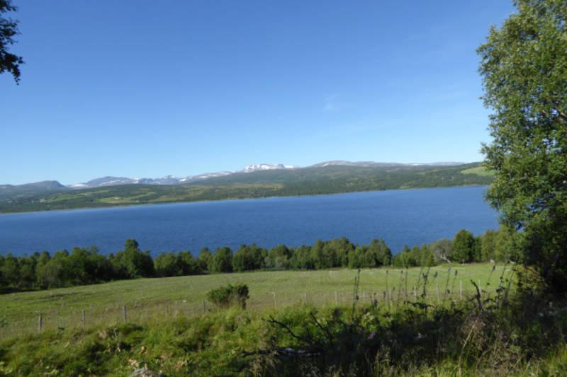 Utsikt mot Granasjøen og Trollheimen