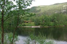 Sieimmahytta på østsiden av elva.  -  Foto: Nord-Troms museum