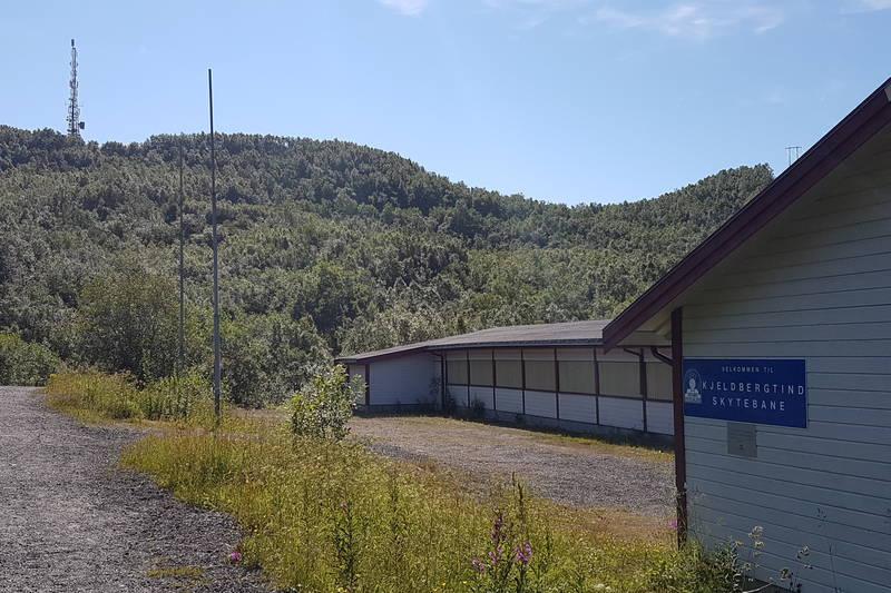 Tjeldbergtind Skytebane på vei opp til Tjeldbergsaksla