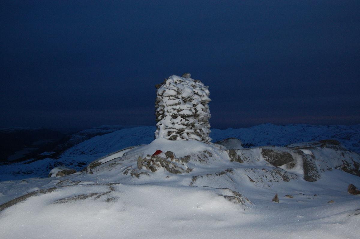Toppen på Trodlafjell ein kveld i februar