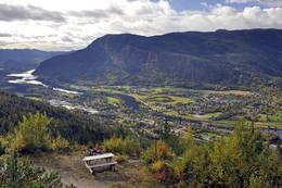Flott utsikt fra Midtlivegen -  Foto: Ole Øyen