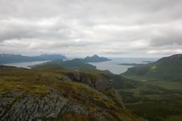 Utsikt vestover fra Barfjellet - Foto: Frank Holdal