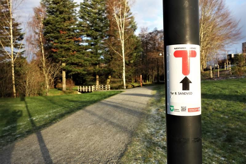 Følg de røde T-ene