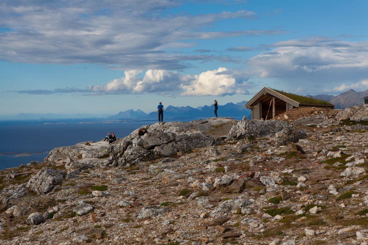 Gapahuken Kværmannsbu bygget til minne om Torgeir Limstrand