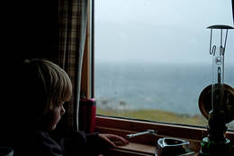 Odin på lillehytta på Gautelis venter på bedre vær - Foto: Clas Holmberg