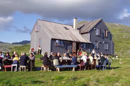 Sommerfest ved Hadlaskard. - Foto: Målfrid Hatteland