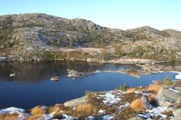 Dyraskarsvatnet tidleg i november -  Foto: Roald Årvik
