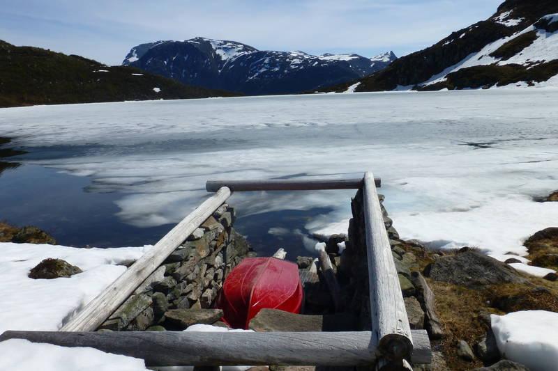 Seint i mai ligg isen fremdeles på Nykkevatnet.