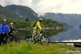 Sykkelturen avsluttes innerst i Matrefjorden - Foto: Anne Lise Nordpoll