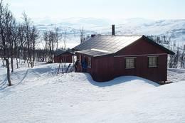 Utsyn mot Fellvatnet og Saltfjellet/Svartisen nasjonalpark - Foto: Arne Sklett Larsen