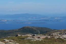 Foran Tautra og Frosta ser vi toppen av Leirsklumpen. - Foto: Bjørn Ove Finseth