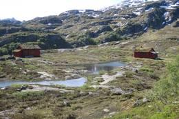 Hyttene på Simlebu. - Foto: Eli S. Severinsen