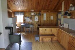 Kjøkkenet i hovedhuset - Foto: Kari Merete Horne