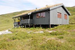 Tverrlihytta ligger fritt til 570 moh -  Foto: Håvard Buset