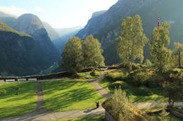Nærøydalen og Jordalsnuten sett fra Stalheim Hotel -  Foto: Trygve Dugstad