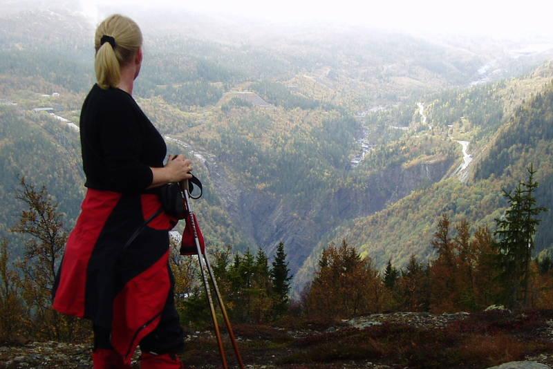 Utsikt mot Vemork og Rjukanfossen
