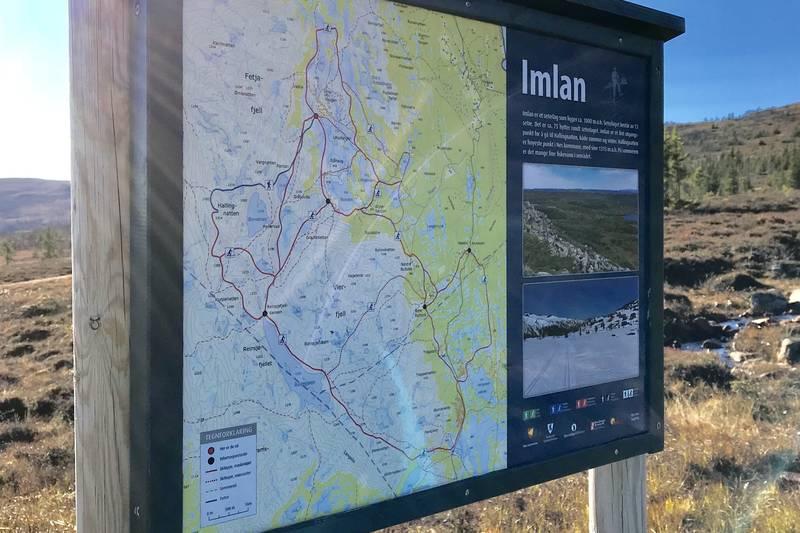 Infoplakat om Imlan og turmulighetene i området