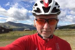 Syklist på Skogssætrin -  Foto: Steinar Tolf Jacobsen