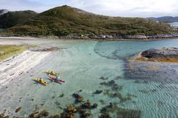 vakre Helgelandskysten består av 12000 øyer som strekker seg fra Rødøya i nord til Brønnøysund i sør. -  Foto: Terje Nakke/Nordic Life Helgeland Reiseliv