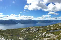 Utsikt frå toppen -  Foto: Cathrine Heggø