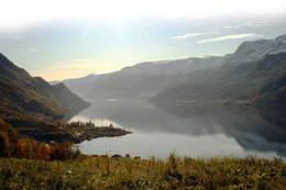 Utsikt mot fjorden -  Foto: Ivar Eidnes