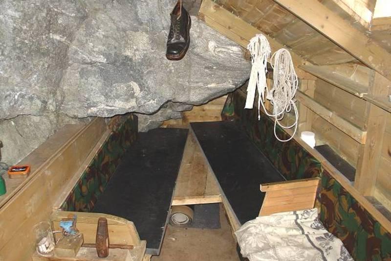 Det opprinnelige interiøret i Fieldfarehytta er rekonstruert