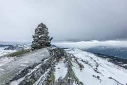 Varden på toppen av Darren -  Foto: Lars Storheim