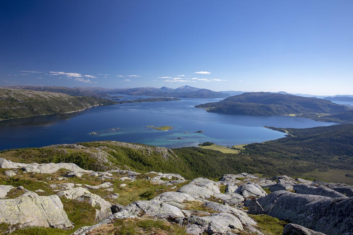 Ursikt fra toppen mot ytre Ursfjord