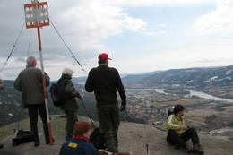 På Knabben på Solbergfjellet. Utsikten over Drammensdalen er formidabel! -  Foto: Anne Gallefos Wollertsen