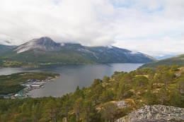 Utsikt utover Mørsvikfjorden - Foto:  Kjell Fredriksen
