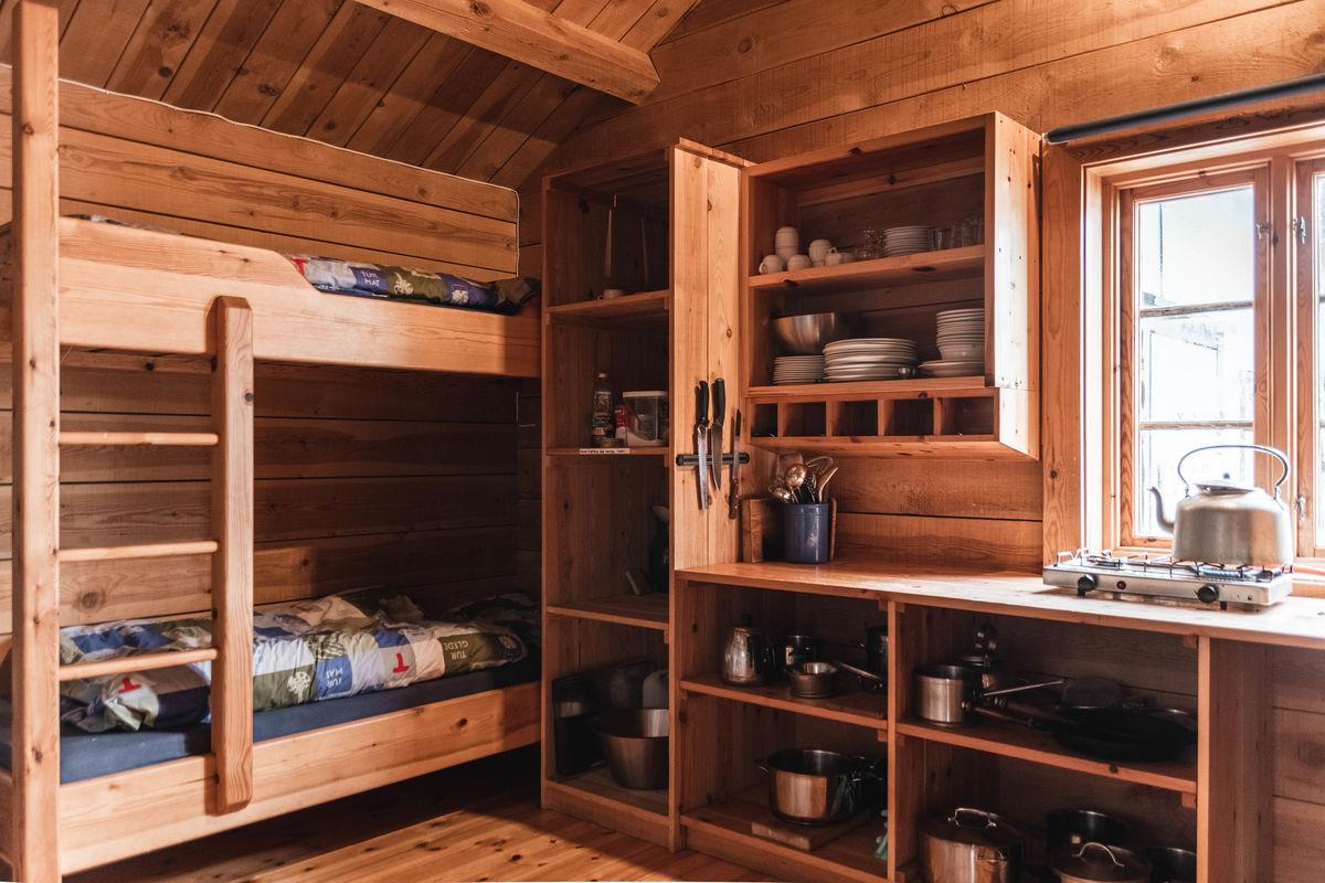 Heiberghytta Storevatn/ kjøkken og soverom Holmevandsli:)