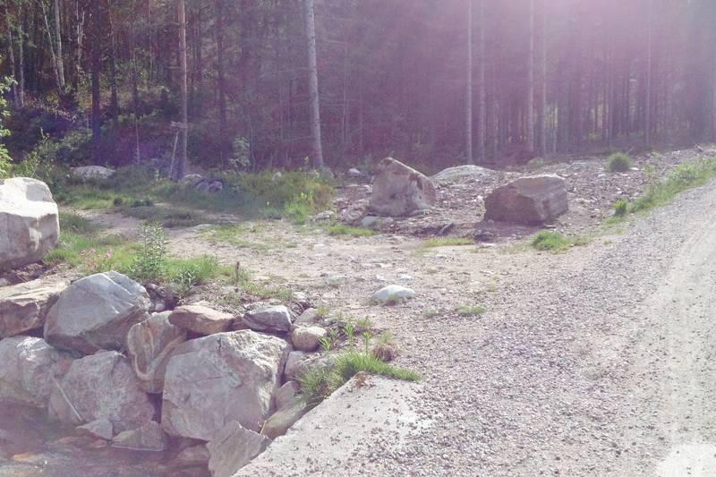 DETALJBILDE: Gå inn hovedveien fra p-plass Saga. Følg merking til Slettehei stikryss