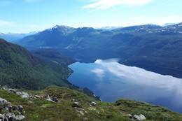 Hornindalsvatnet sett fra Vedviknibba - Foto: Bodil Dybevoll