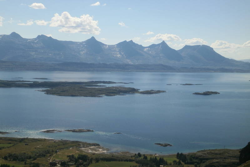 The view from Dønnamannen of the Seven Sisters.