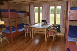 Interiøret i den lille hytta - Foto: Odd Inge Worsøe