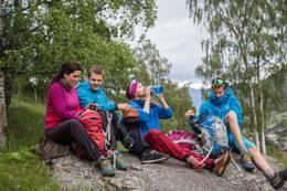 Lunsjpause langs Bordvassvegen - Foto: Live Andrea Sulheim