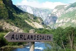 Bo på Storestølen og gå Aurlandsdalen! - Foto: