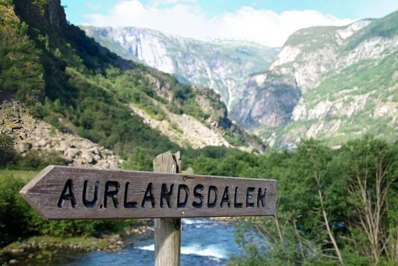 Bo på Storestølen og gå Aurlandsdalen!