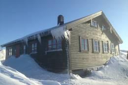 Eidavatn vinterstid. Hytta har turmuligheter i 360 grader -  Foto: Per Henriksen