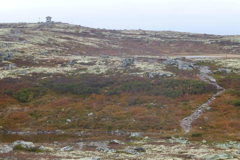 Sen høstdag på veg til Glitreberget (hytta på toppen)
