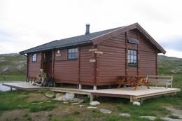 Den eldste hytta ble bygget i 1988  - Foto: Bodø og Omegns Turistforening