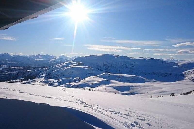 Nydelig skiterreng ved hytta
